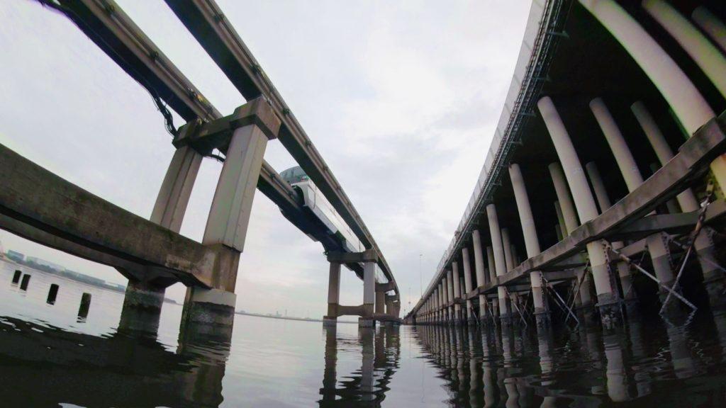 東京モノレールと首都高羽田線