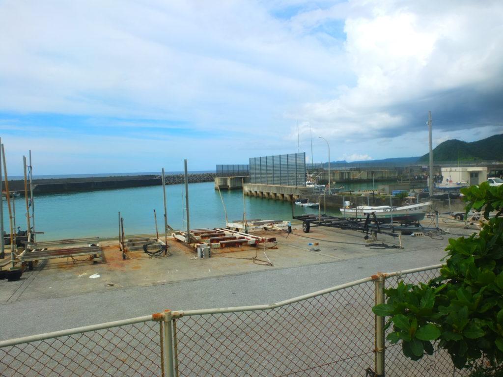 国頭の辺土名の漁港