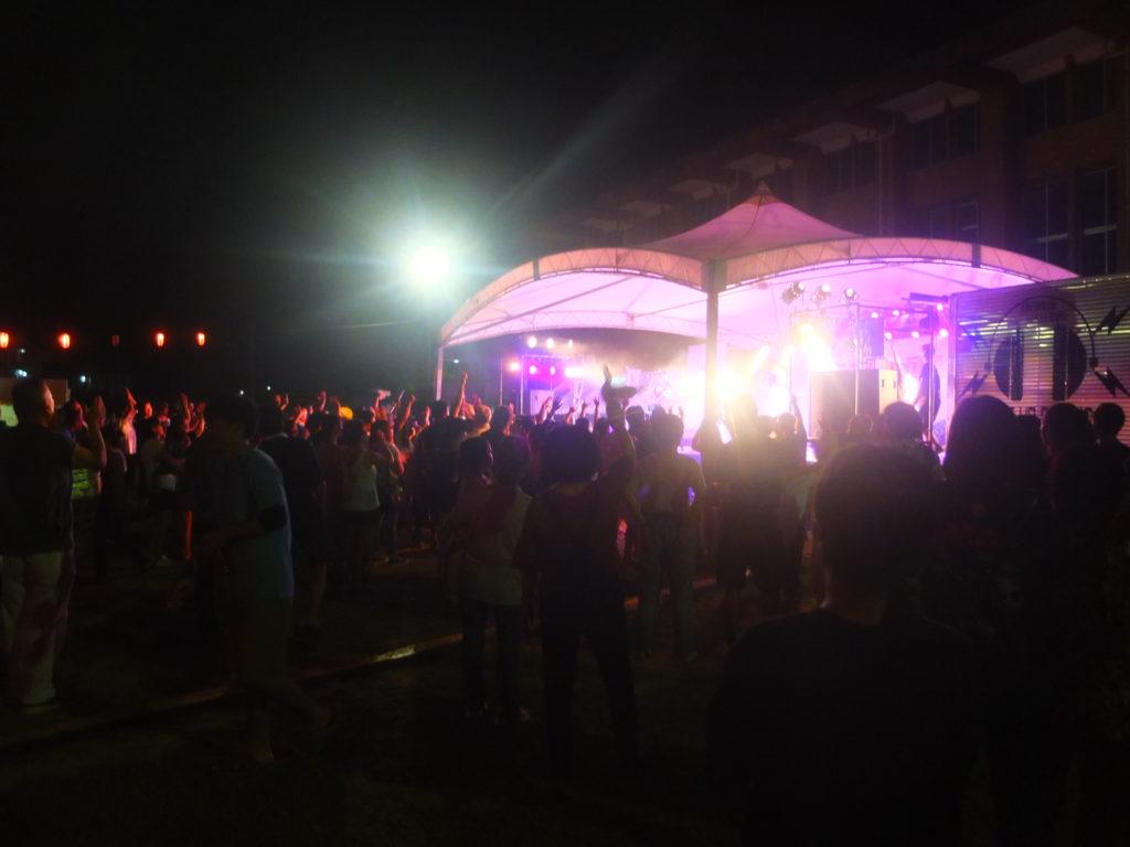 飲んで踊って大熱狂の国頭村祭り!プリズム